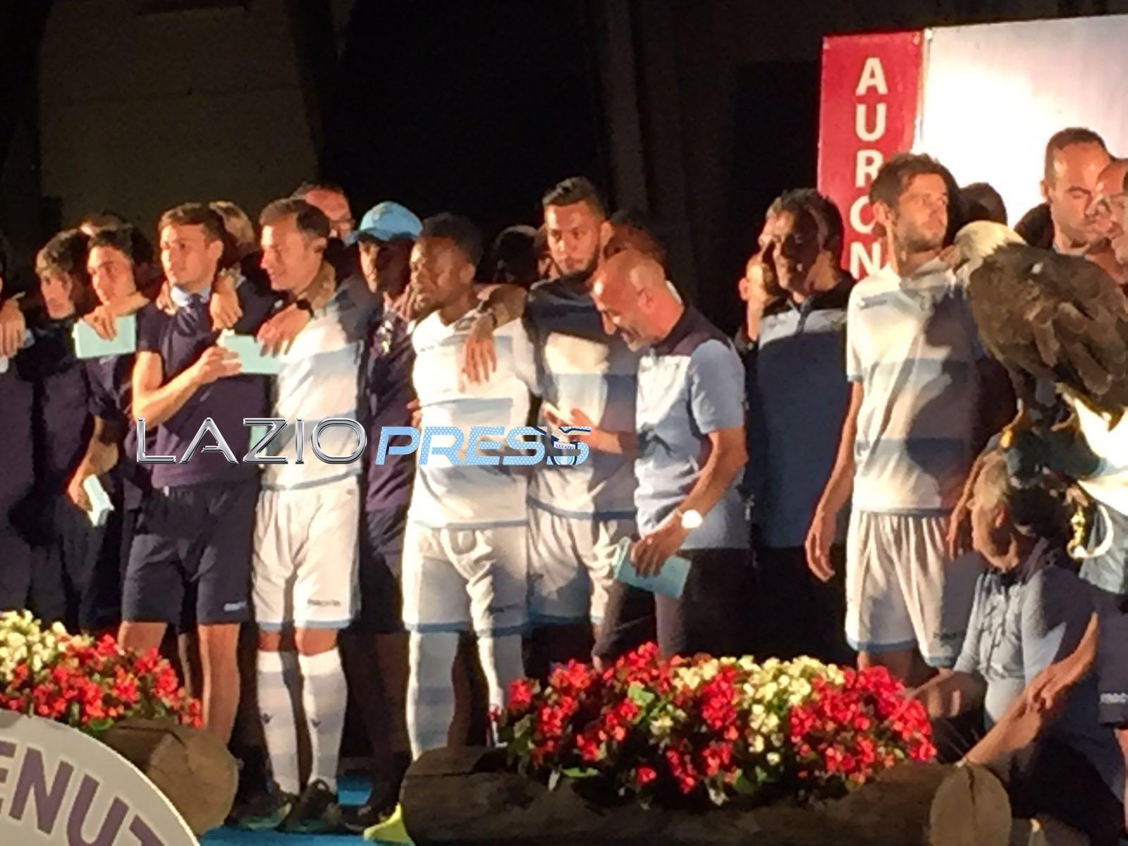Lazio-Padova, amichevole choc: scazzottata e insulti razzisti
