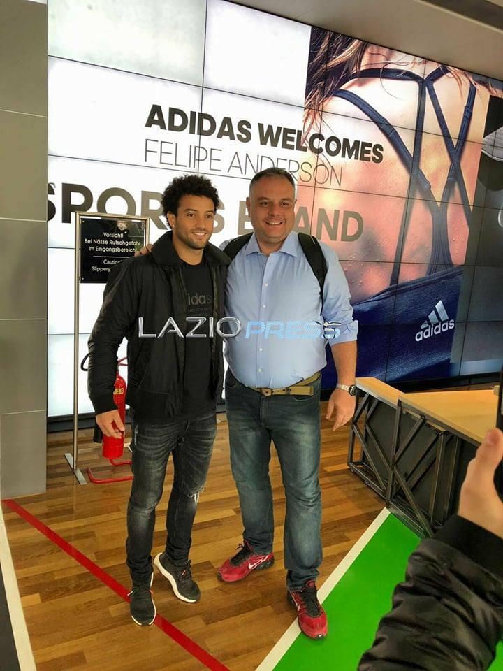Felipe Anderson insieme al fisioterapista Alexandre Barbosa